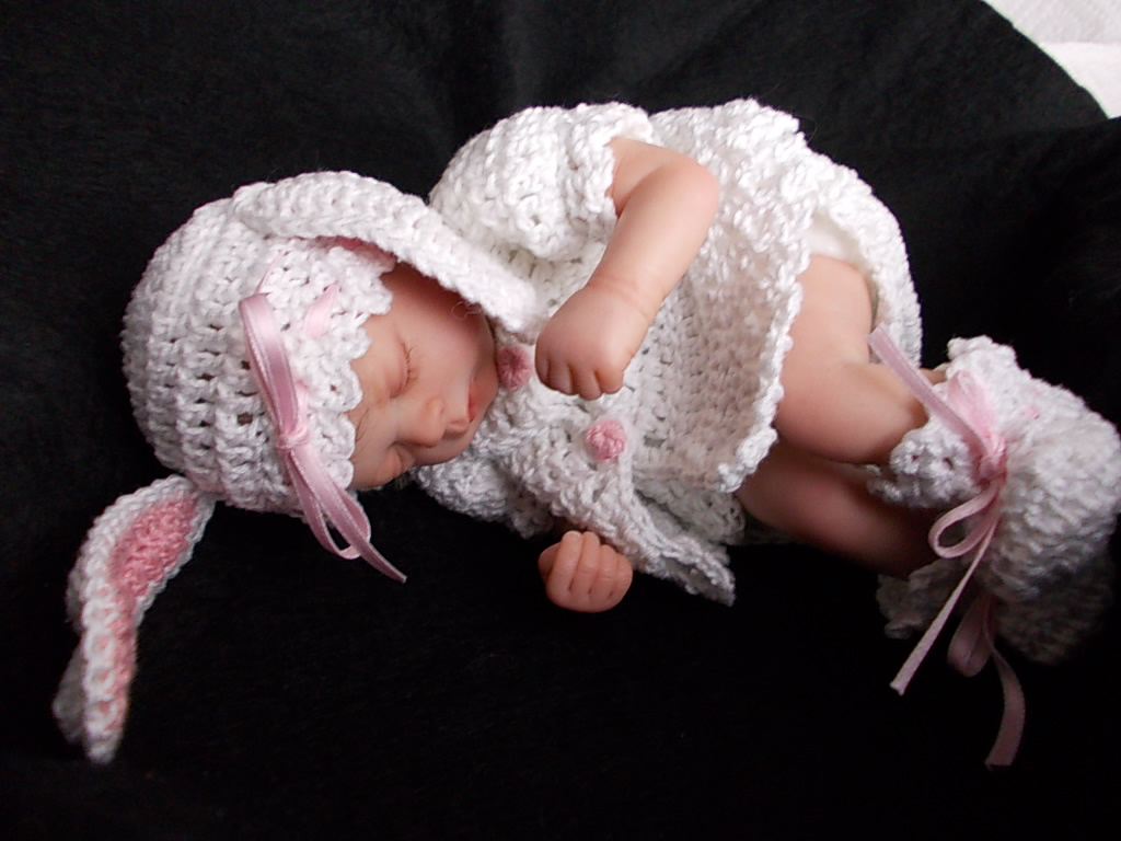 Reborn baby girl Jessica was Florian by Gudrun Legler.  Reborn by Sharla Field of Silvery Moon Cherubs nursery.
